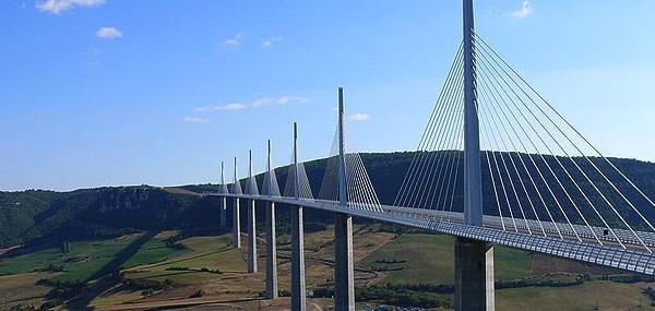 800px-Millau-Viaduct-France-20070909-600x285